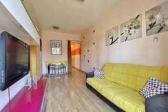 excelente-apartamento-en-venta-con-licencia-turistica-junto-el-camp-nou-salon-2