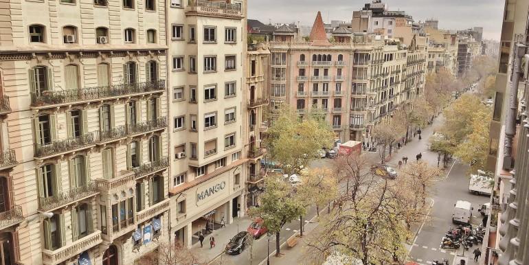 elegante-piso-en-venta-en-rambla-catalunya-vistas-1