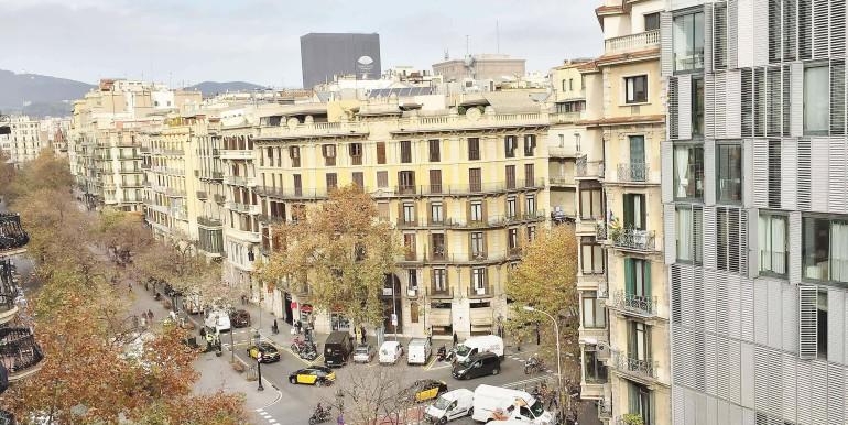 elegante-piso-en-venta-en-rambla-catalunya-vistas-2