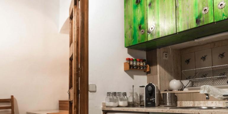 encantador-piso-en-venta-en-el-emblematico-barrio-del-born-cocina-1