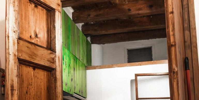 encantador-piso-en-venta-en-el-emblematico-barrio-del-born-cocina-2