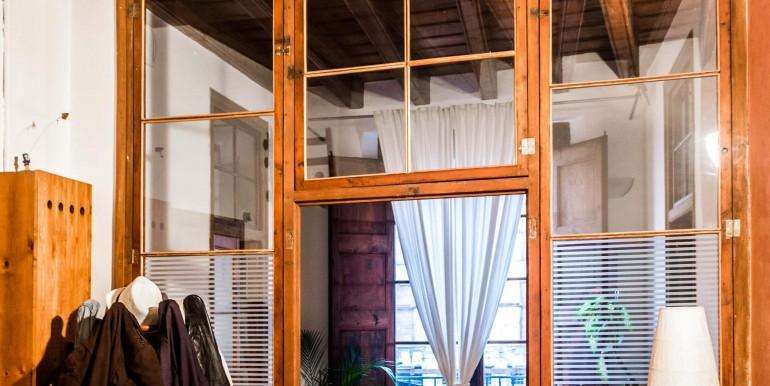 encantador-piso-en-venta-en-el-emblematico-barrio-del-born-salon-2