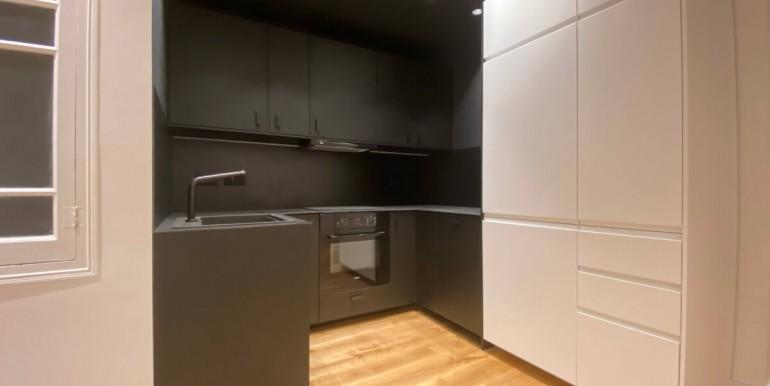 increible-piso-en-venta-de-diseno-junto-placa-espana-cocina-1