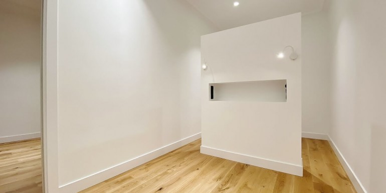 increible-piso-en-venta-de-diseno-junto-placa-espana-habitacion-2