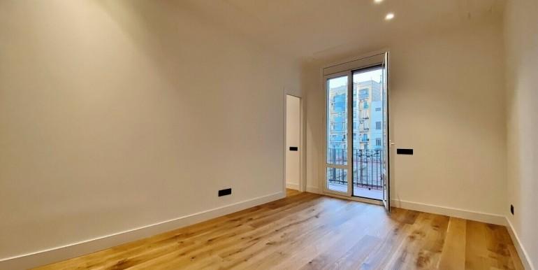 increible-piso-en-venta-de-diseno-junto-placa-espana-salon-2
