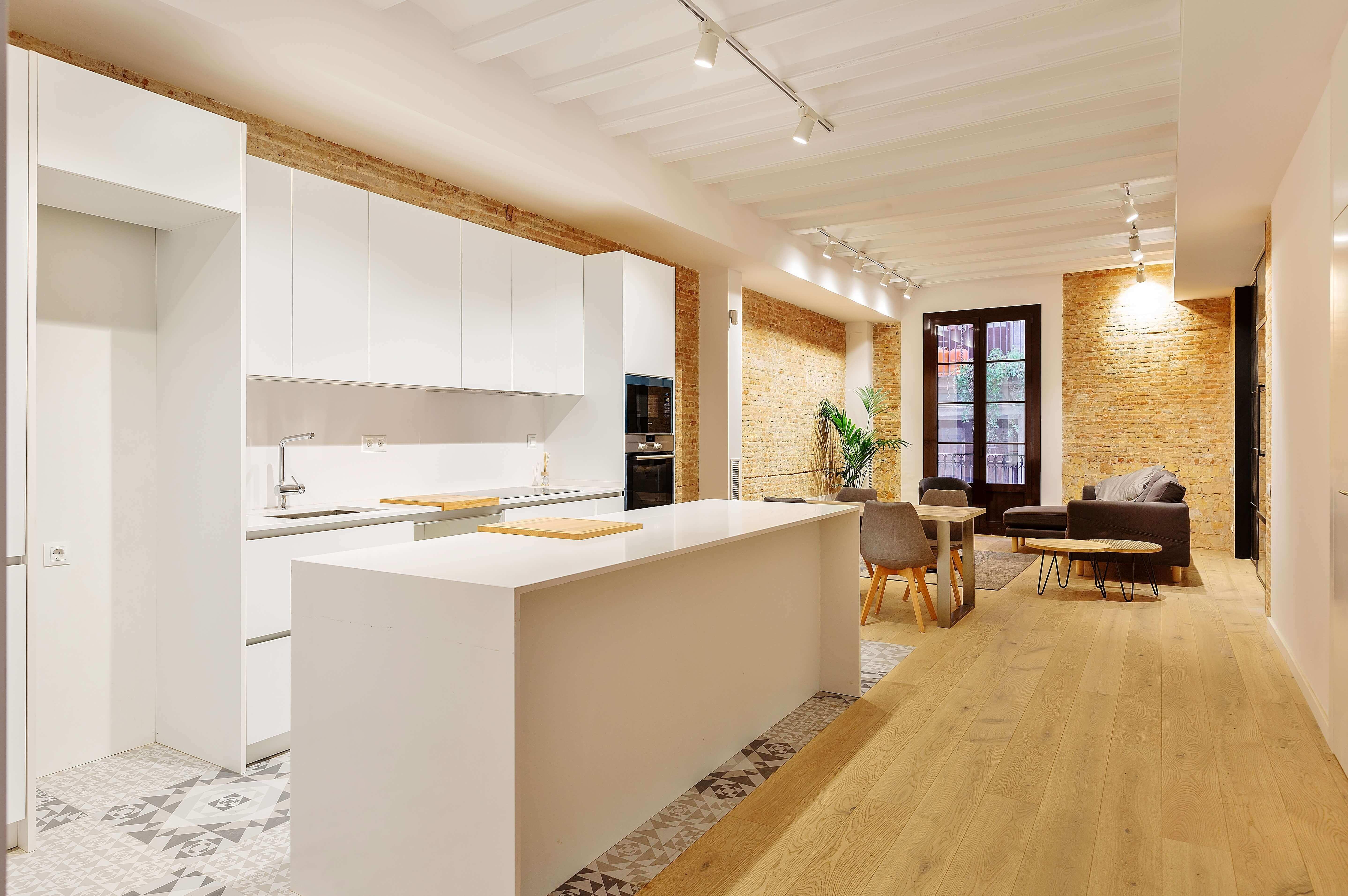 Exquisito piso de obra nueva en venta de dos habitaciones junto Plaça Medinaceli