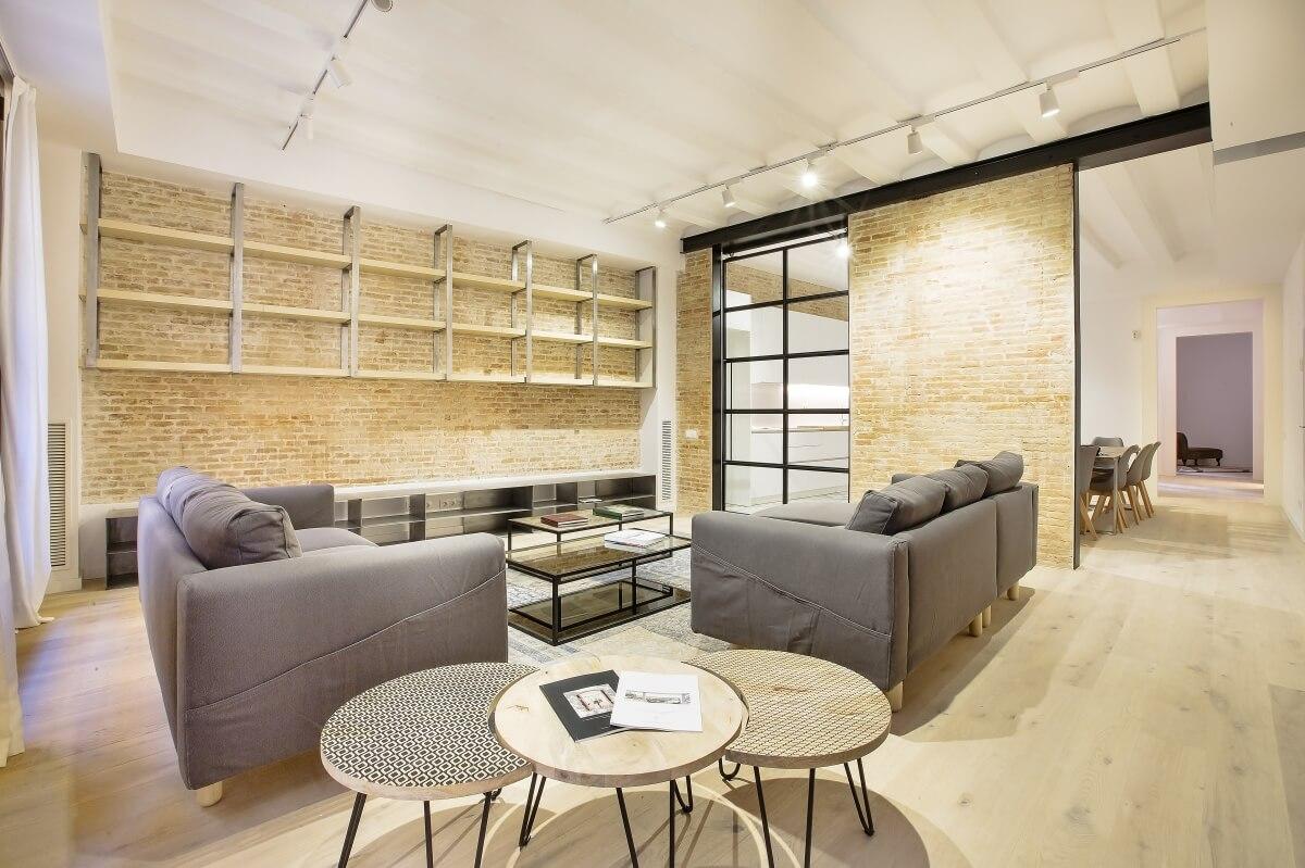 Sofisticado piso de obra nueva en venta de tres habitaciones junto Plaça Medinaceli