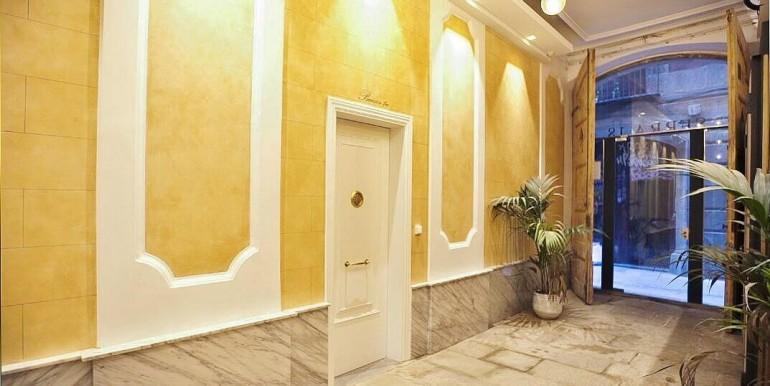 exquisito-piso-de-obra-nueva-en-venta-de-dos-habitaciones-junto-la-placa-medinaceli-vestibulo-2