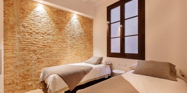 sofisticado-piso-de-obra-nueva-en-venta-de-tres-habitaciones-junto-la-placa-medinaceli-habitacion-8
