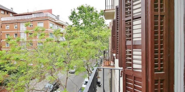 piso-en-venta-de-dos-habitaciones-en-tres-torres-balcon-2