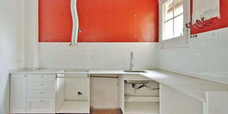 piso-en-venta-de-dos-habitaciones-en-tres-torres-cocina-1