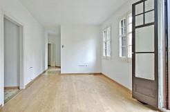 piso-en-venta-de-dos-habitaciones-en-tres-torres-salon-2