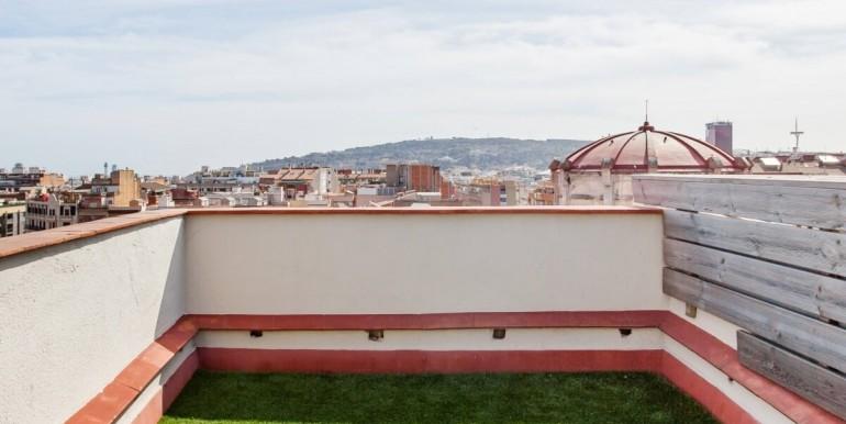 espectacular-atico-en-venta-con-licencia-turistica-terraza-4