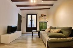 acogedor-piso-de-alquiler-a-escasos-minutos-del-parc-de-la-ciutadella-salon-7