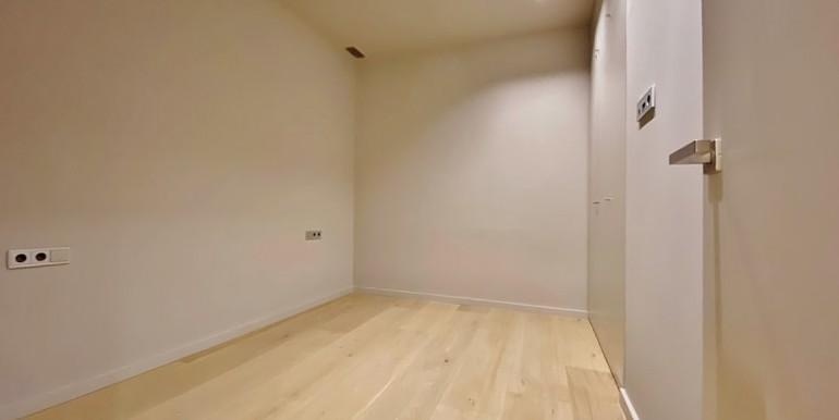 extraordinario-piso-en-venta-de-dos-habitaciones-junto-el-mercat-de-la-boqueria-habitacion-2