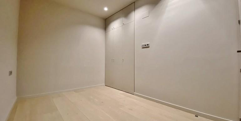 extraordinario-piso-en-venta-de-dos-habitaciones-junto-el-mercat-de-la-boqueria-habitacion-4