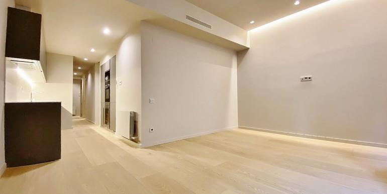 extraordinario-piso-en-venta-de-dos-habitaciones-junto-el-mercat-de-la-boqueria-salon-1