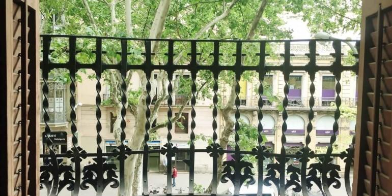 senorial-piso-venta-junto-placa-universitat-balcon-1