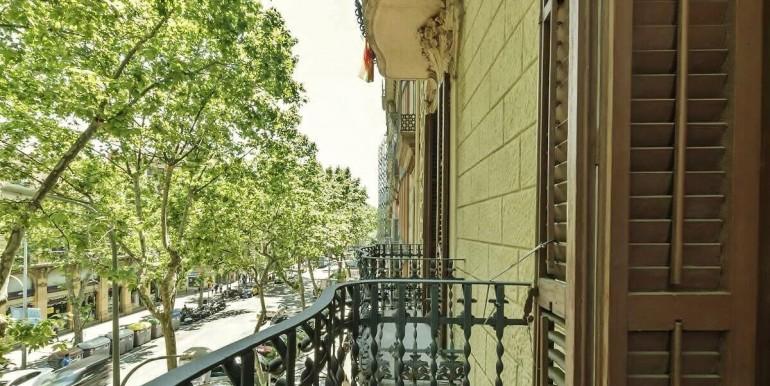 senorial-piso-venta-junto-placa-universitat-balcon-2