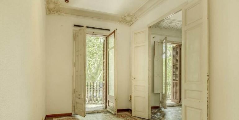 senorial-piso-venta-junto-placa-universitat-habitacion-2