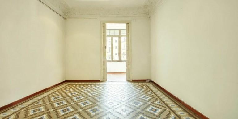 senorial-piso-venta-junto-placa-universitat-habitacion-3