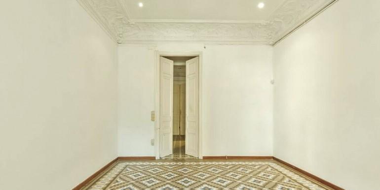 senorial-piso-venta-junto-placa-universitat-habitacion-4