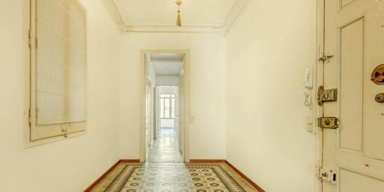 senorial-piso-venta-junto-placa-universitat-recibidor-1