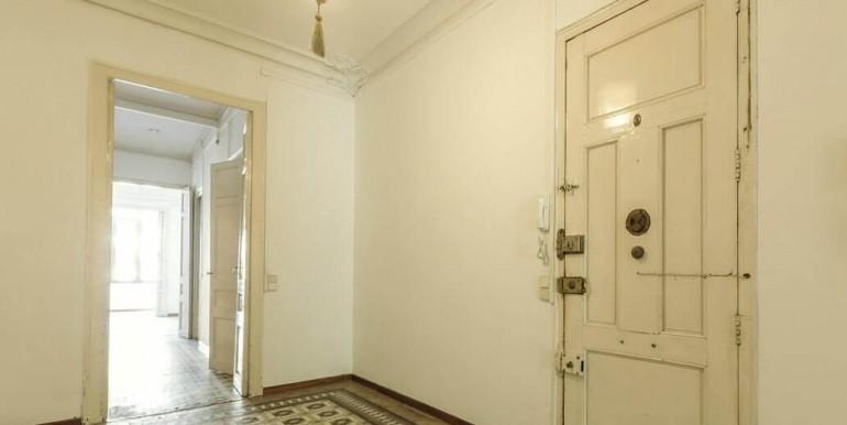 senorial-piso-venta-junto-placa-universitat-recibidor-2