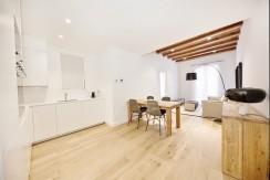 magnífico-piso-en-venta-en-finca-clasica-rehabilitada-eixample-esquerra-salon-4