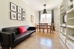 piso-alquiler-de-tres-habitaciones-en-la-sagrada-familia-salon-1