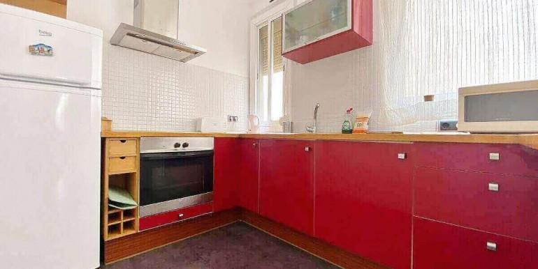 acogedor-apartamento-en-venta-con-licencia-turistica-junto-el-mercat-de-collblanc-cocina-1