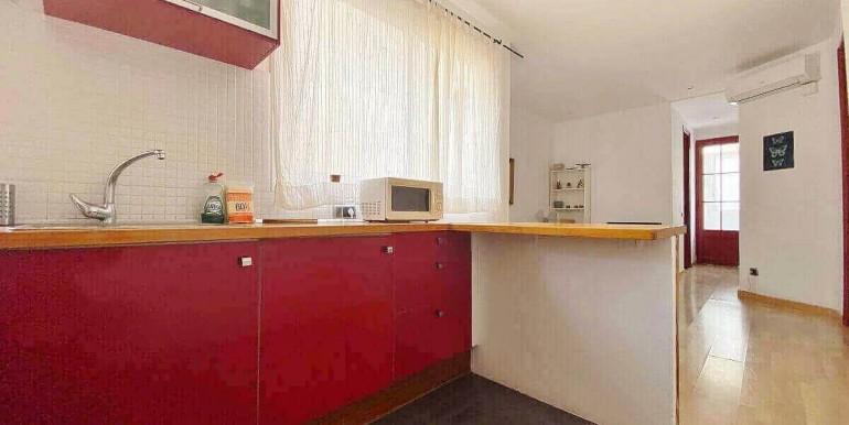 acogedor-apartamento-en-venta-con-licencia-turistica-junto-el-mercat-de-collblanc-cocina-2