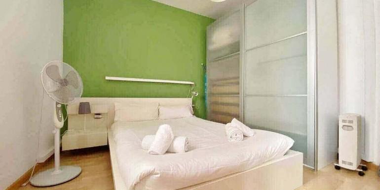 acogedor-apartamento-en-venta-con-licencia-turistica-junto-el-mercat-de-collblanc-habitacion-1
