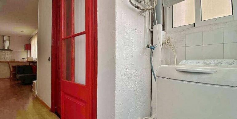acogedor-apartamento-en-venta-con-licencia-turistica-junto-el-mercat-de-collblanc-lavadero-1