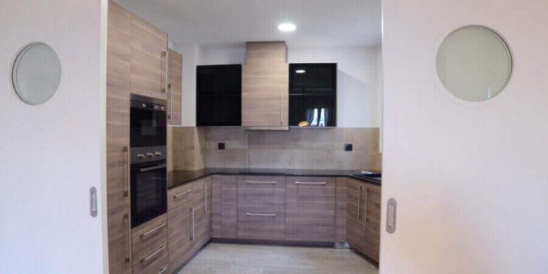 elegante-piso-alquiler-barrio-sant-antoni-cocina-1