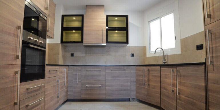 elegante-piso-alquiler-barrio-sant-antoni-cocina-2
