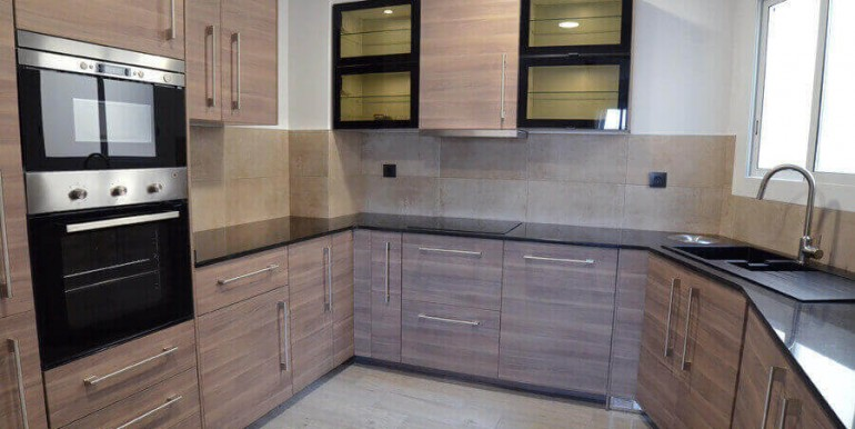 elegante-piso-alquiler-barrio-sant-antoni-cocina-3