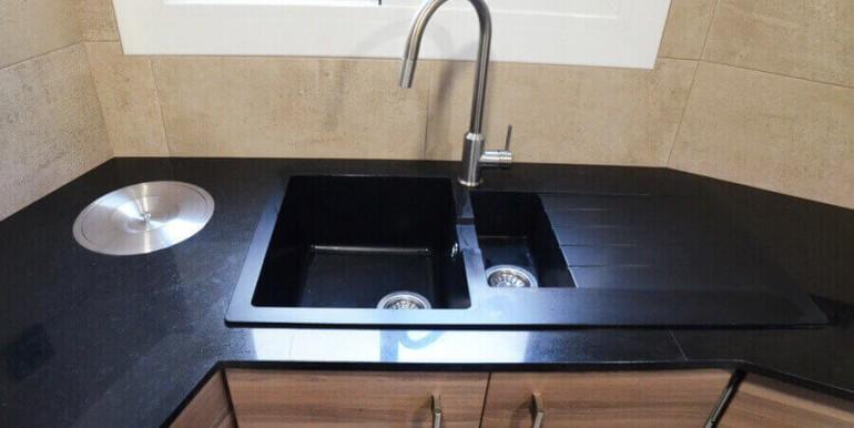 elegante-piso-alquiler-barrio-sant-antoni-cocina-4