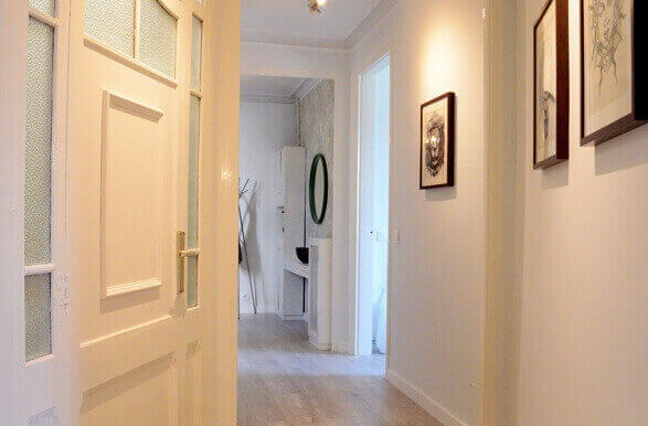 elegante-piso-alquiler-barrio-sant-antoni-recibidor-1