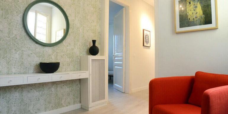 elegante-piso-alquiler-barrio-sant-antoni-salon-1