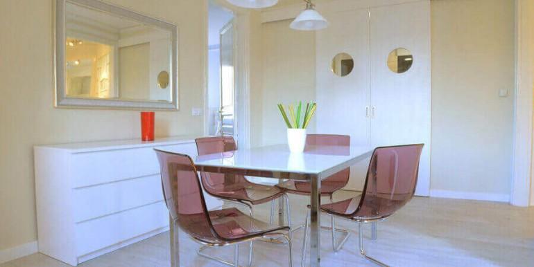 elegante-piso-alquiler-barrio-sant-antoni-salon-6