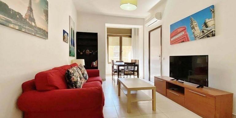 increible-piso-en-venta-con-cuatro-habitaciones-y-licencia-turistica-junto-placa-espanya-salon-3.1